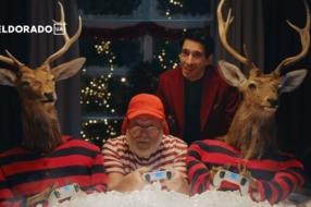 Санта позволил себе отдохнуть в новогодних роликах Eldorado