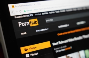 Mastercard и Visa запретили использовать свои карты на Pornhub