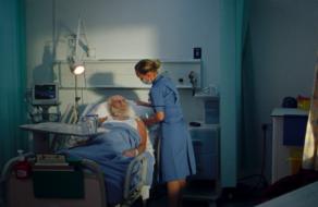 Санта оказался в больнице в ролике благотворительного фонда