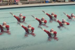 Йоулупукки и дэнс-абсурд от Сант: подборка рождественской weird-рекламы