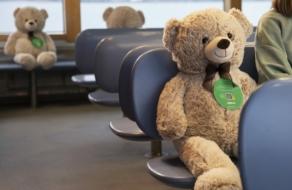 В Финляндии мягкие игрушки обеспечили социальную дистанцию в автобусах