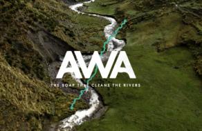 Бренд воды создал мыло, которое очищает реки во время стирки одежды