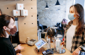 Цена на капучино выросла на 10%: как кофейни пережили год пандемии