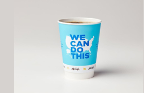 McDonald's в США разместит информацию о вакцинах на своих чашках