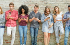 Демографические данные пользователей 11 социальных сетей