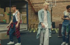 Для COMFY створили ролик у стилі музичного кліпу гуртів 90-их