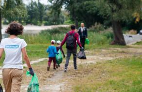Decathlon вместе с IKEA и клиентами устроили толоку ко Всемирному дню уборки