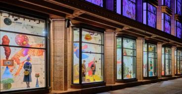 ЦУМ запустил арт-витрины в коллаборации с украинским художником Владимиром Манжосом